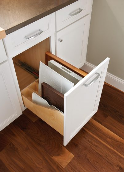 Yorktowne Cabinetry Pull Out Tray Divider Cabinet